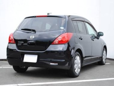2004_Nissan_Tiida_Hatchback_RHD_67000km_Gas_Petrol_Black_Used_634416936302390676_3