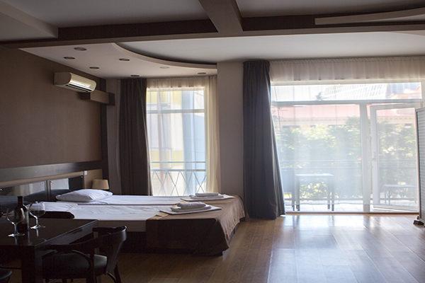 mgzavrebi_batumi_hotel (16)