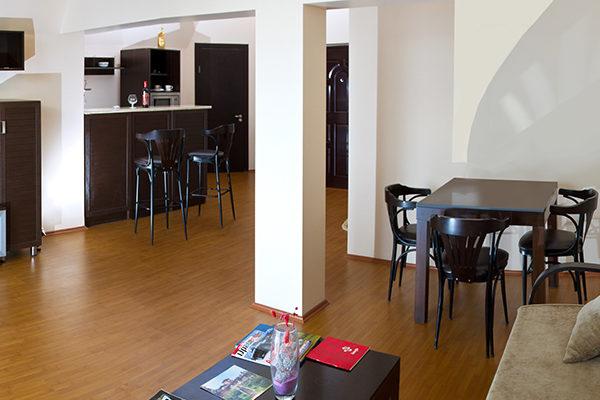 mgzavrebi_batumi_hotel (9)