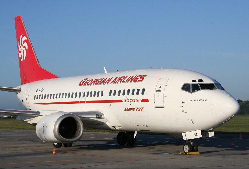 Airzena_Boeing_737-500_Idaszak-1